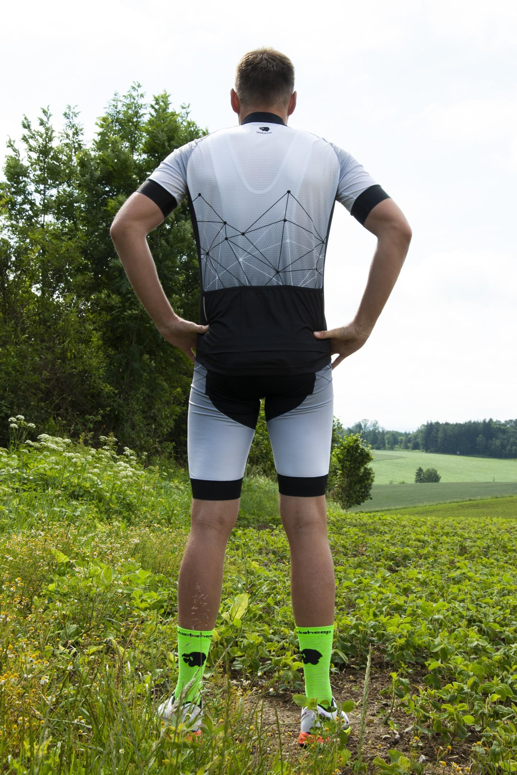 Jürgen_Radbekleidung_hinten